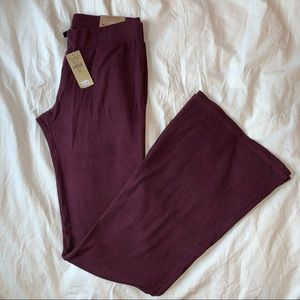 maroon American Eagle women's pants